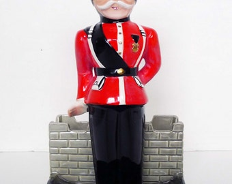 Swank Grenadier Queens Guard Valet - Key Change, Wallet Caddy and Pen Holder
