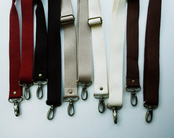 1 1/4 inch Detachable and adjustable shoulder strap  in Beige