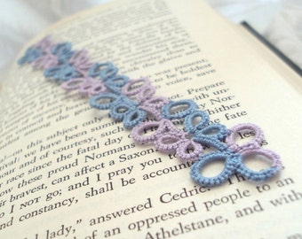Lace Bookmark in Tatting - Eva in lilac and blue