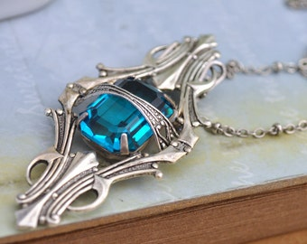 VINTAGE SPARKLE vintage Swarovski blue Zircon glass jeweled necklace in antiqued silver