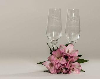 Beautiful Italian Style Personalized Wedding Toasting Glasses