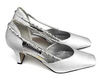 70s Diamond J. Reneé Pumps - Dazzling Silver Lamé Metallic Platinum Vintage Evening Formal Court Shoes Designer Dancing High Heel Stilettos