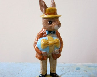 Easter Parade Mr. Bunnykins Royal Doulton English Figurine Collectible Treasure Gift