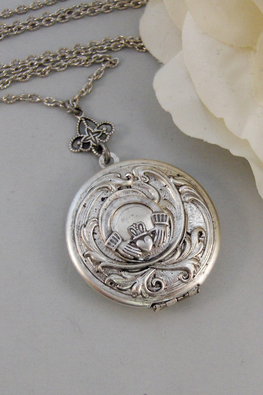 Sterling Silver Antique Locket Antique Locket,silver