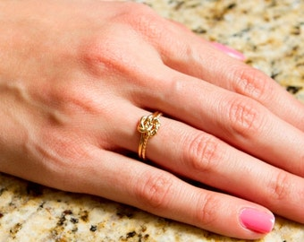 Set of 6 rings, double knot, friendship, bridesmaids, gifts, for her, mom, mothers day, 14kt yellow gold fill , 16g thick