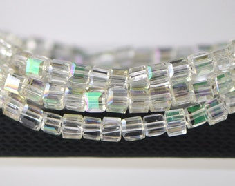 Cube Crystal Glass Faceted beads 4mm Spring Green -FZ0443 / 95pcs