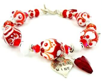 Red & White Bracelet, Heart Charm Bracelet, Lampwork Bracelet, Beaded Bracelet, Beadwork Bracelet, Valentine Jewelry, Heart Jewelry
