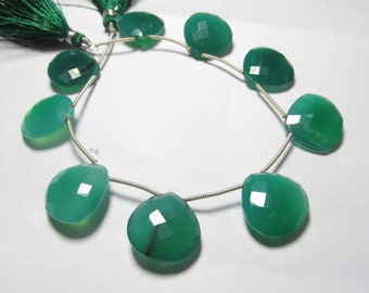 8 inches strand Gorgeous  Dark Green Colour  - CHALCEDONY -Heart Shape Briolett Sparkle Huge Size 17 - 17 mm