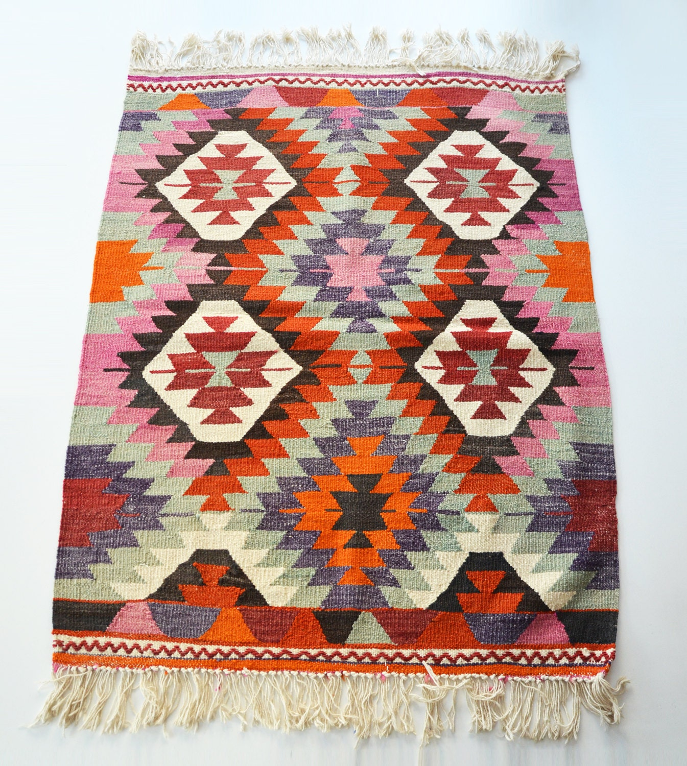 Sukan / VINTAGE Turkish Kilim Rug Carpet Handwoven Kilim