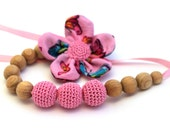 Pink Crochet Nursing Necklace / Teething necklace / Flower Necklace