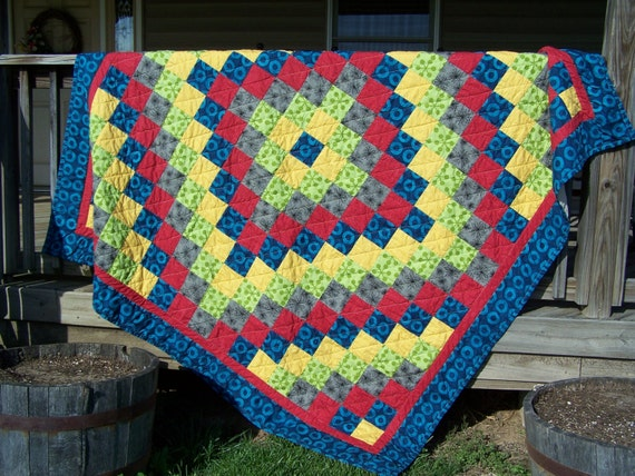 Items similar to CLEARANCE! Handmade quilt, lap quilt, large quilt, throw, bed quilt on Etsy