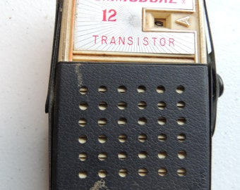 vintage 50s 60s commodore transistor radio