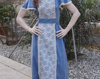 Vintage 1970s Bohemian Hippie Dress / 70s Denim & Crochet Prairie Pinafore Style Maxi Dress xs/s