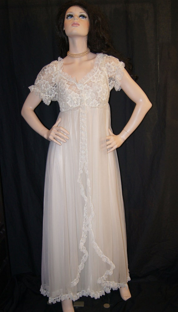 vintage tosca bridal white nightgown and peignoir set size m. Black Bedroom Furniture Sets. Home Design Ideas