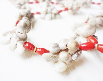 little seashells necklace with coral red beads long vintage jewelry