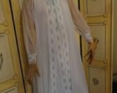 Vintage 60's Miss Elaine White Chiffon  Peignoir/Night Gown sz S-M