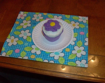 Felt Food Cupcake, Vanilla with Purple Flower and Wrapper