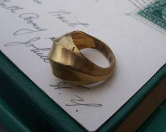 vintage ring / brass ring / statement ring / BRASS STATEMENT RING