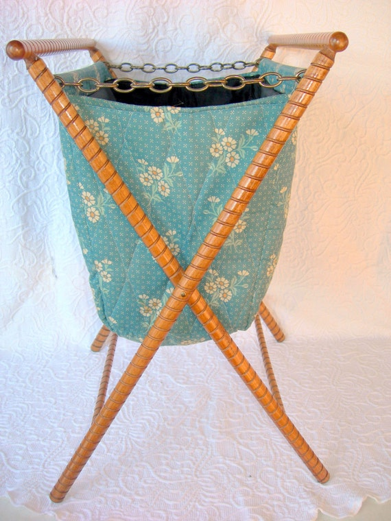 Vintage Knitting Bag : Vintage folding standing sewing knitting bag by