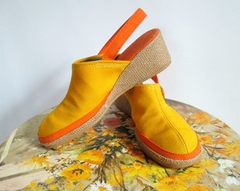 Wedge Espadrilles 1970s MOD Colorblocked Orange and Yellow Canvas Platform Shoes