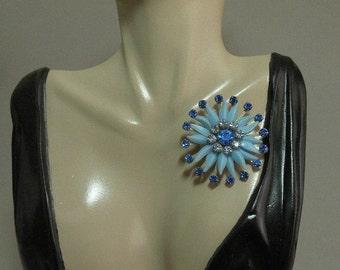Vintage Sapphire Starflower Brooch