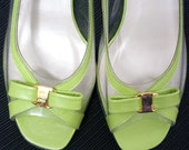 Vintage 1970s Medium Heels Pistachio Green Sandals / U.S. 6 6.5M