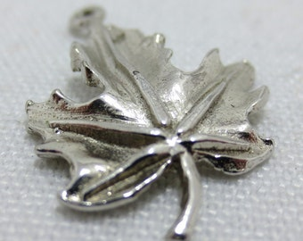 CANADIAN MAPLE LEAF   Sterling Silver Charm