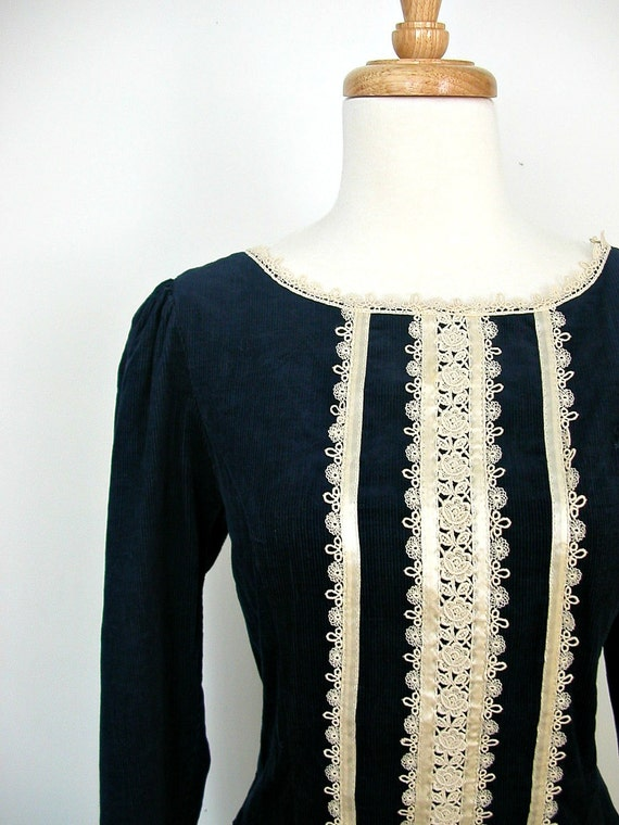 1970s Gunne Sax Dress / prairie dress / western dress / corduroy  / lace dress / boho dress / gypsy / medium large