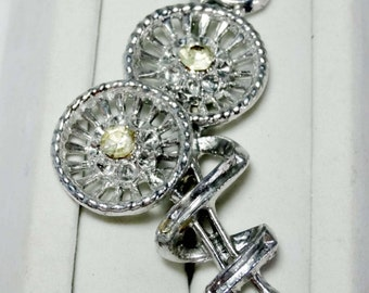 Silver Plated with Rhinestone Round Flower Brooch Apparel & Accessories Jewelry Vintage Jewelry Brooch Rhinestone