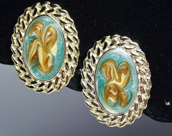 Sea Foam Green and Gold Enameled Oval Clip-on earrings 1950's Apparel & Accessories Jewelry Vintage Jewelry Earrings Clip On Earrings