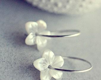 White star flowers - Beautiful Natural White Mother of Pearl Flower Earrings - Handcarved  Shell - Handmade Sterling Silver Earrings