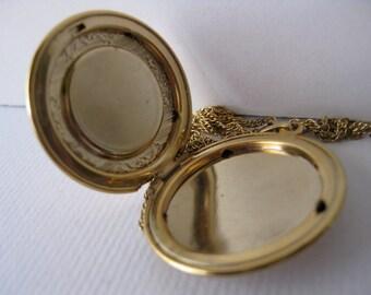 Vintage Round Cameo Locket
