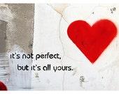 Graffiti heart, red heart, graffiti photography, love