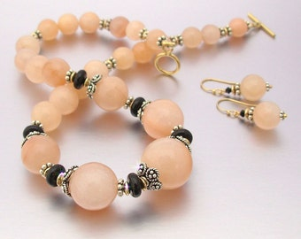 """16.5"""" Graduated Peach Aventurine & Onyx Necklace with Matching Earrings"""