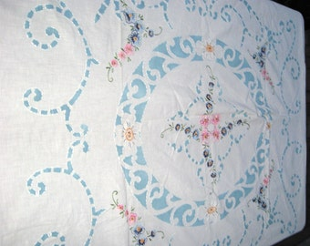 Embroidered Coverlet / 40's 50's Embroidered Bedspread / Stamped and Embroidered / Pretty Floral Work