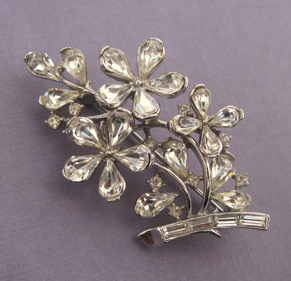 vintage trifari rhinestone flowers brooch crown makers mark