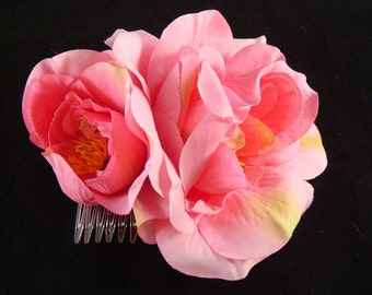 Bridal PINK FLOWER hair comb / wedding flower hair comb / garden spring wedding pink rose hair comb clip