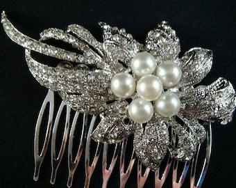 Vintage Style Pearl and Rhinestone Hair Comb - SALE Vintage inspired  bridal rhinestone flower hair comb