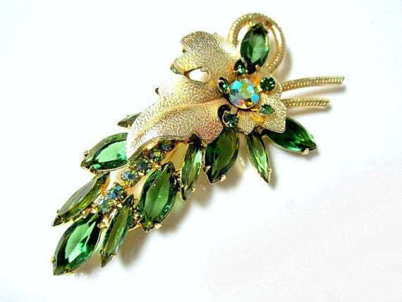 Vintage Verified D and E Delizza Elster Juliana Green Rhinestone Brooch Pin