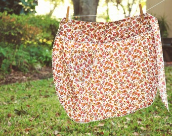 Seventies Paisley Print Half Apron Vintage Circle Apron Orange and Brown Retro Apron with pocket Hostess gift under 20 Vintage lover