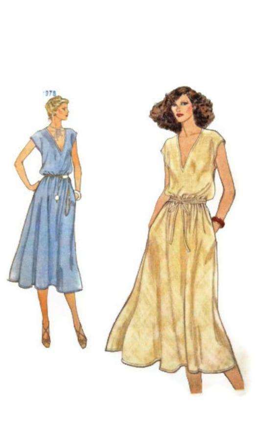 Dress Pattern 7100 Vintage Vogue size 12 uncut women's pattern
