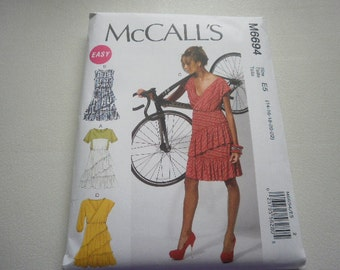 Pattern Ladies Dress 4 Styles Sizes 6 to 14 McCalls 6694