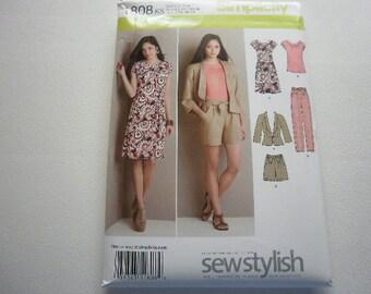 Pattern Women Dress Jacket Pants Shorts Top Tie Belt Sz 16 to 24 Simplicity 1808 A