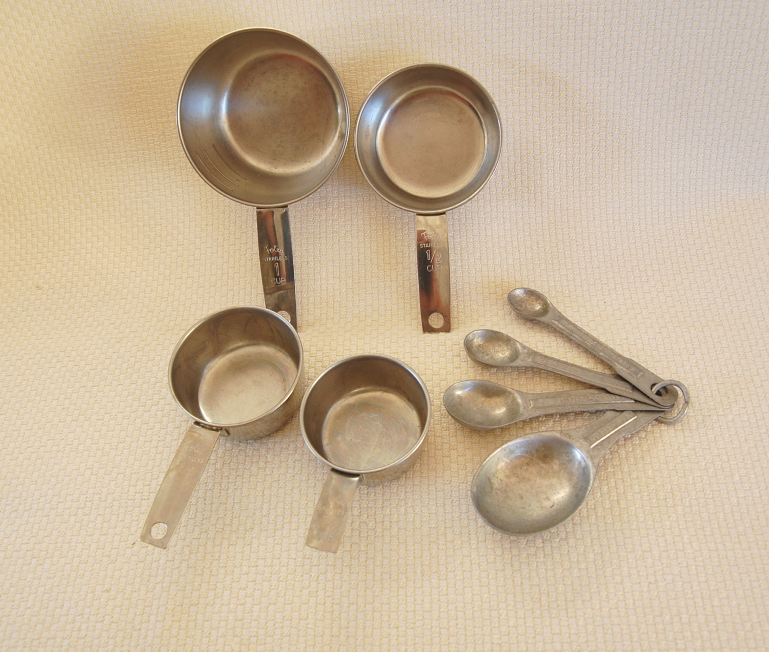 Set Of Vintage Foley Metal Measuring Cups And Metal Measuring