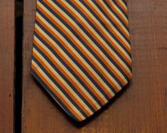 vintage brooks brothers regimental tie