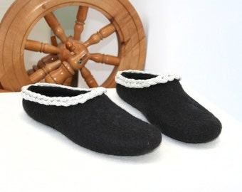 Women slippers - women house shoes, felted slippers, black, handmade, made to order - Easter gift