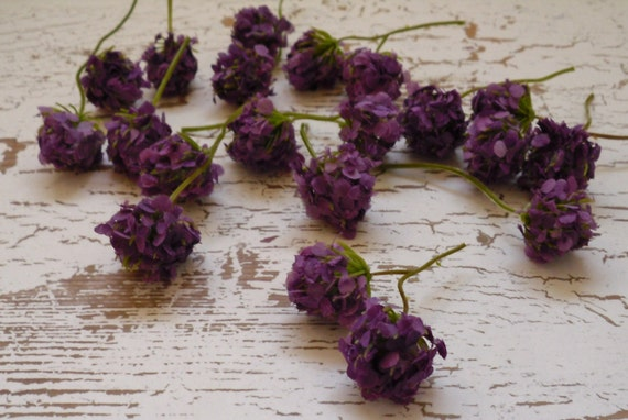 Artificial Flowers - 20 Purple Clover Blossoms - TINY Flowers