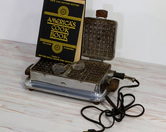 Antique Universal Waffle Maker with Double Lids