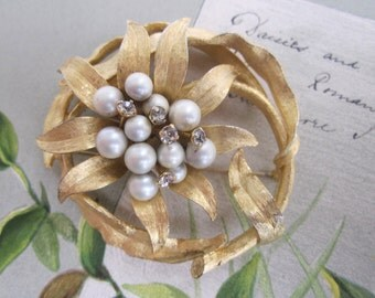KRAMER Gold & Pearl Flower Brooch