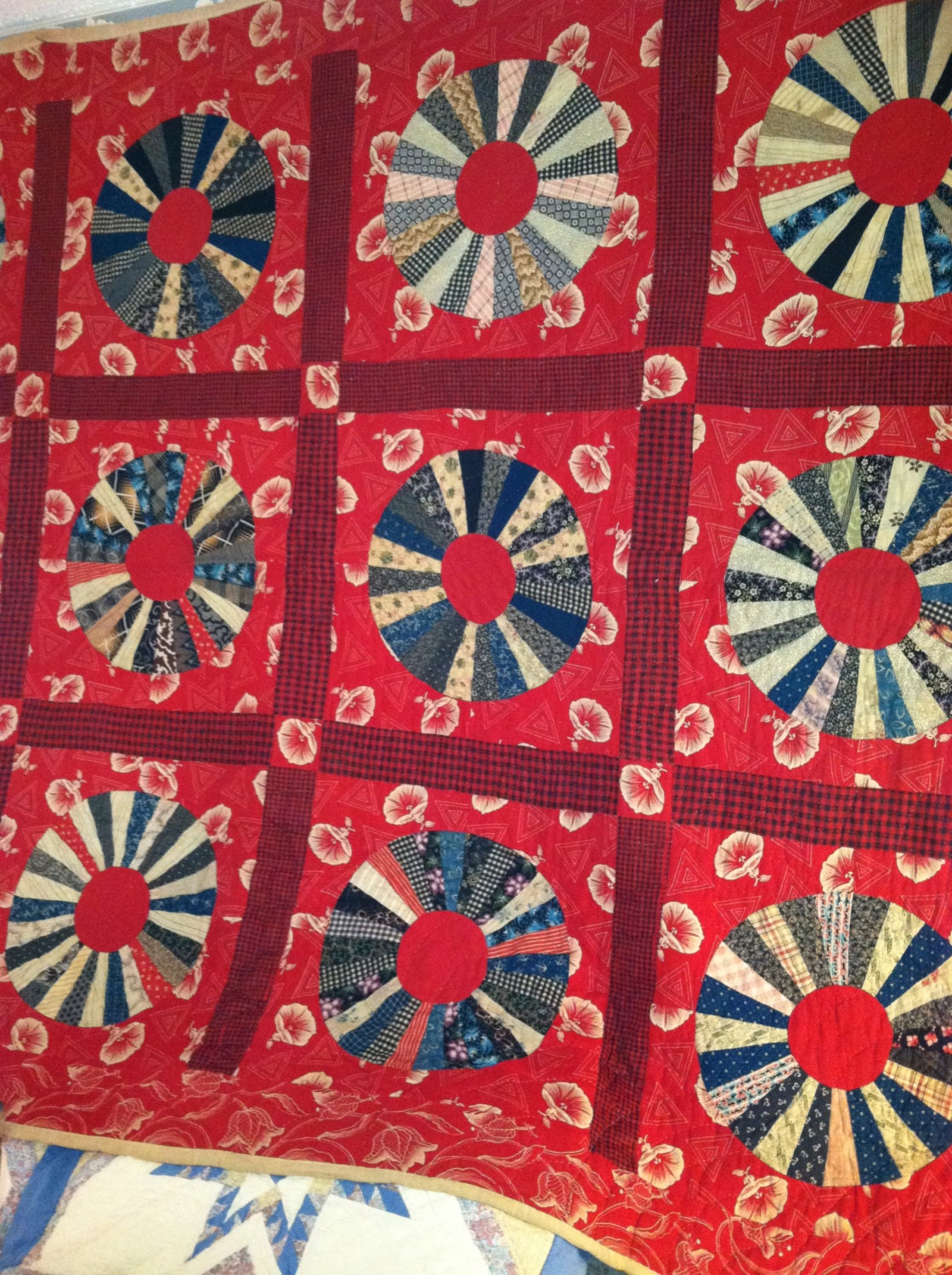 Vintage Hand Stitched Wagon Wheel Feedsack Feed Sack Red Quilt